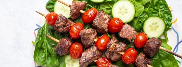 Steak & Tomato Skewer Salad